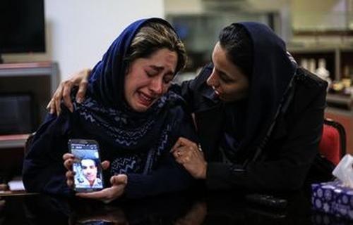 اشک و اندوه خانوادههای دریانوردان نفتکش حادثه دیده سانچی