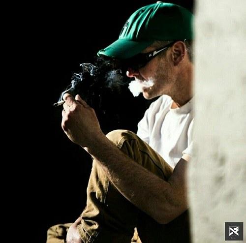 تصاویر پروفایلی با سیگار پسر خارجی
