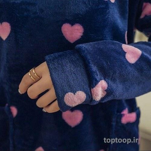 عکس پروفایل دخترانه با پیراهن گل گلی و قلب دار