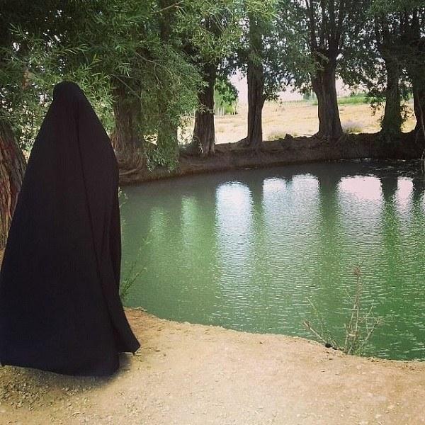 عکس دختر چادری در مشهد