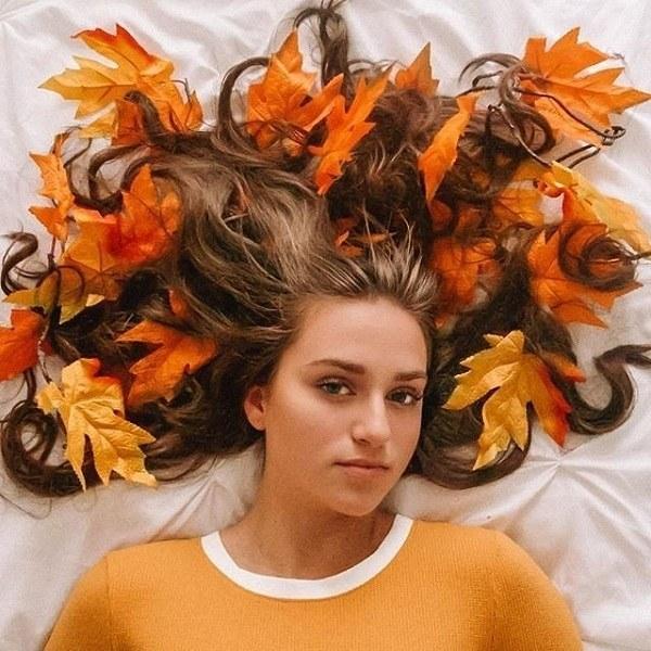 ژست عکس دخترانه مناسب فصل پاییز