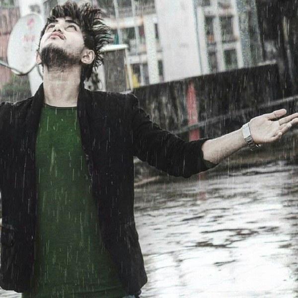 عکس پسرانه زیر بارون برای پروفایل