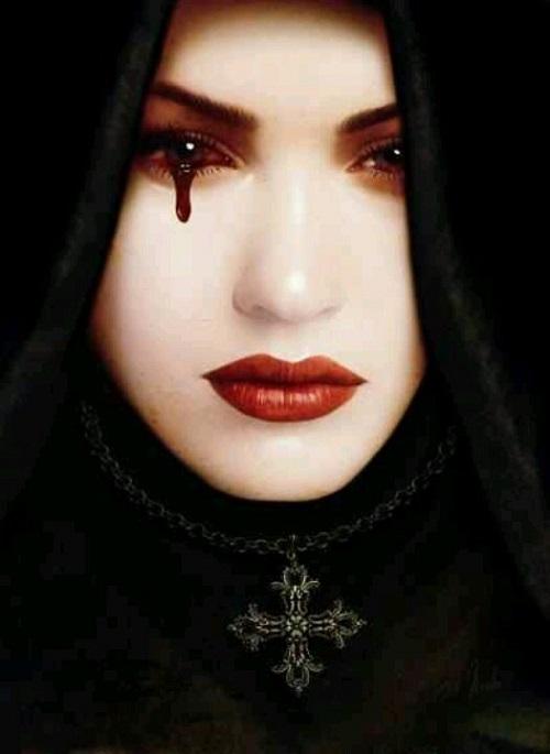عکس زیبا از دختری که خون گریه میکنه مخصوص پروفایل