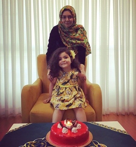 عکس آزاده نامداری و دخترش