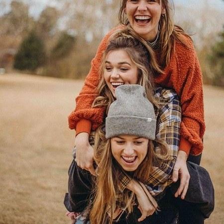 عکس پروفایل دخترونه سه نفره شاد