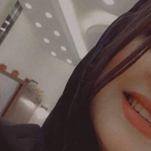 پروفایل لبخند دخترونه با دندان های سفید و جذاب