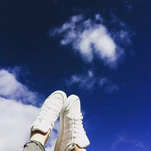 پروفایل دخترونه کفش و پا