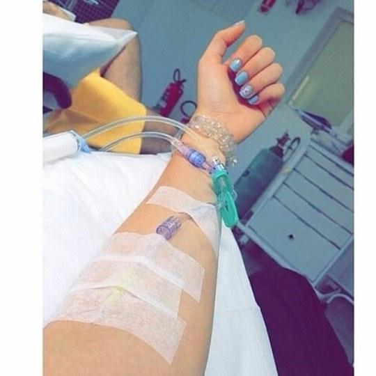 عکس پروفایل دخترونه که تو بیمارستانه و سرم به دستشه