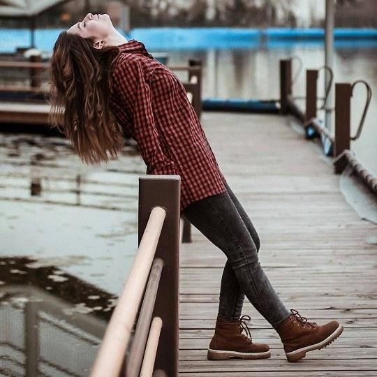 دانلود عکس دخترانه غمگین