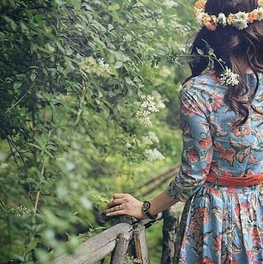 عکس دخترونه با لباس های بسیار زیبا