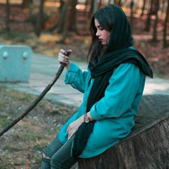 عکس دختری که شکست عشقی خورده و غمگینه برای پروفایل