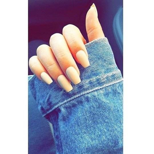 عکس دست و ناخن های بلند و زیبا واسه پروفایل
