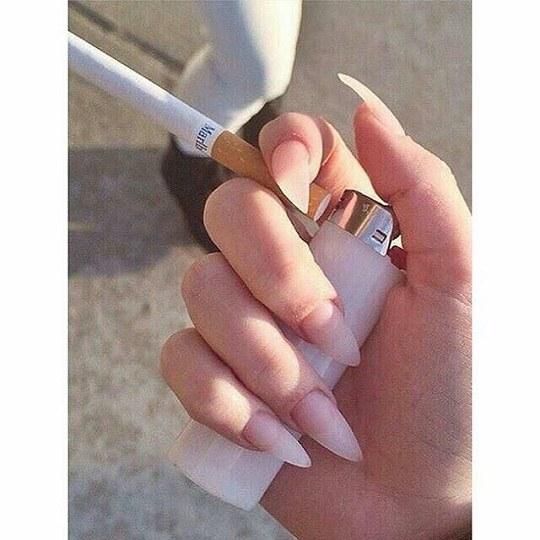 عکس دخترونه با فندک و سیگار