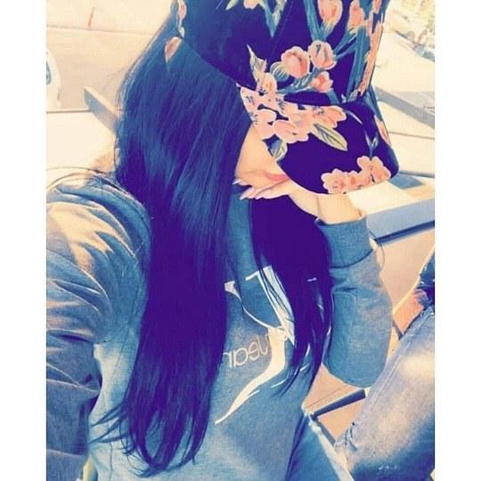 عکس دخترونه با کلاه نقابی خفن