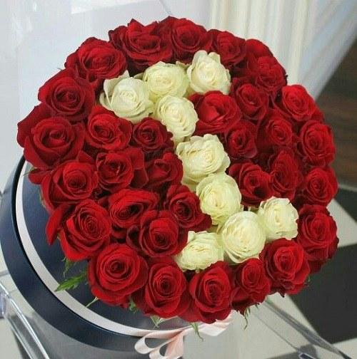 عکس پروفایل  گل تزیین شده با حرف انگلیسی I