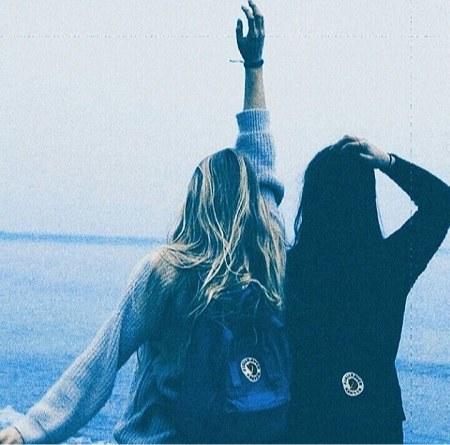 دستانت را آرام به همراه من به سمت اسمان دراز کن چند لحظه ای را خاص زندگی کن