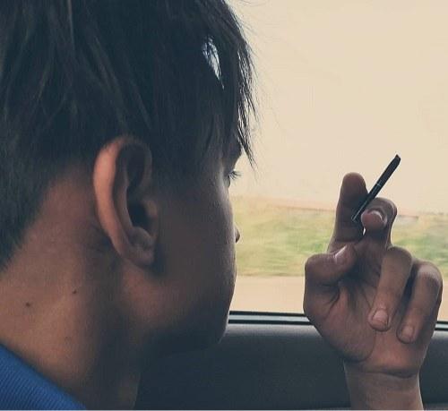 عکس پروفایل مغرور سیگاری