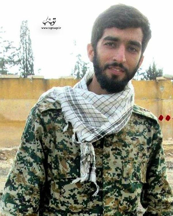 عکس شهید حججی با لباس پاسداری