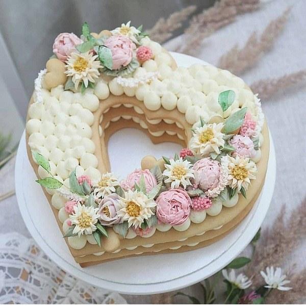 کیک تولد دخترانه قلبی