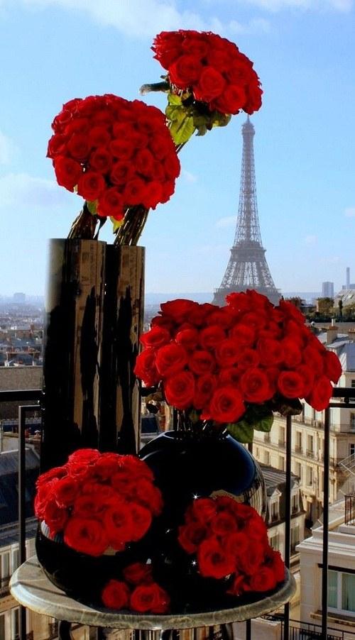 عکس برج ایفل برای صفحه گوشی