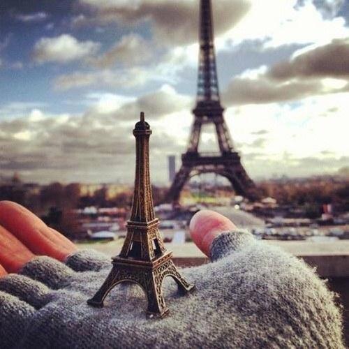 عکس برج ایفل فانتزی