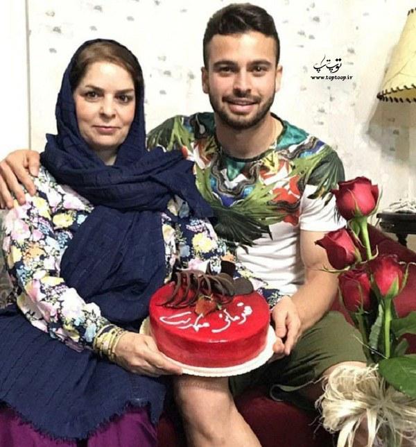 عکس سروش رفیعی در کنار خانواده اش