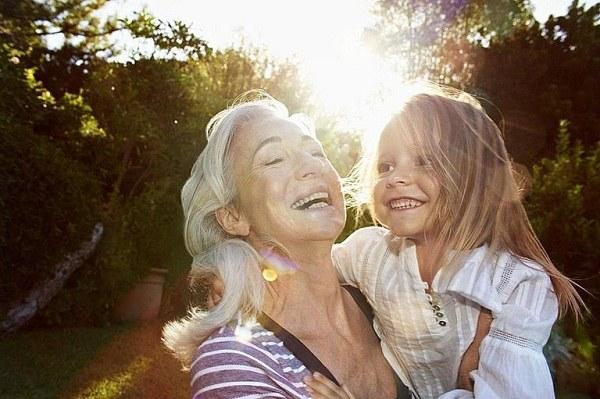 متن زیبا در مورد دوست داشتن مادربزرگ ، جملات کوتاه عشق به مادربزرگ