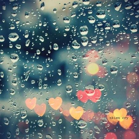 عکس پروفایل باران روی شیشه