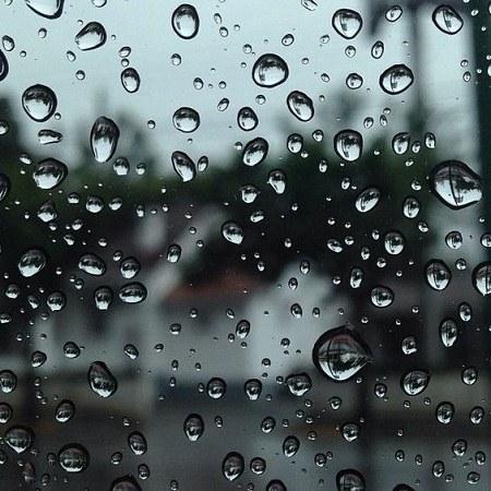 عکس پروفایل شیشه باران خورده