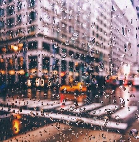 عکس باران روی شیشه