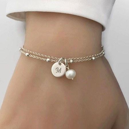 عکس دستبند دخترانه طرح حروف