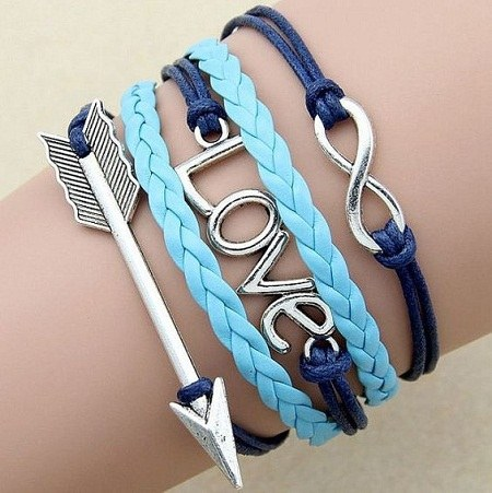 عکس دستبند دخترانه طرح love