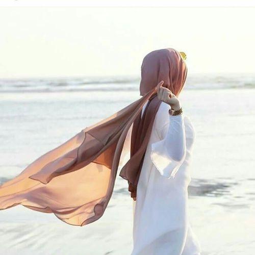 عکس پروفایل دخترانه لب ساحل دریا