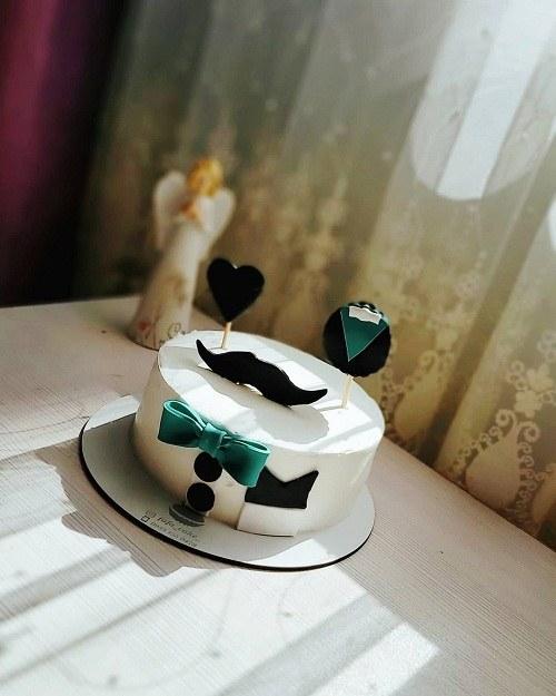 کیک تولد مردونه ساده