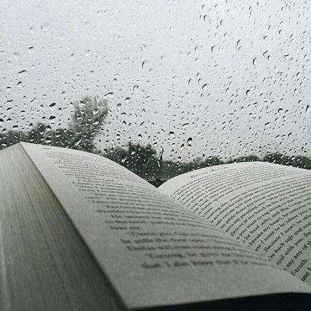 عکس پروفایل باران و کتاب