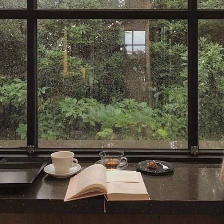 عکس پروفایل حال و هوای بارانی شیشه