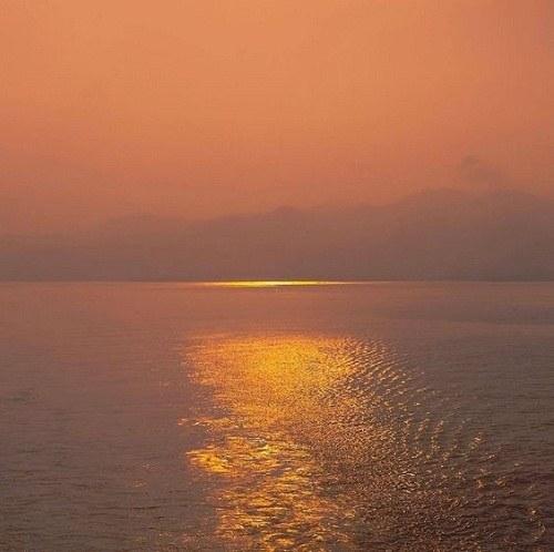 عکس پروفایل دریا و طلوع خورشید