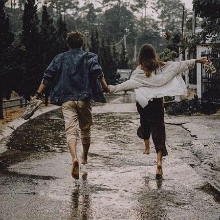 عکس پروفایل باران عاشقانه دونفره