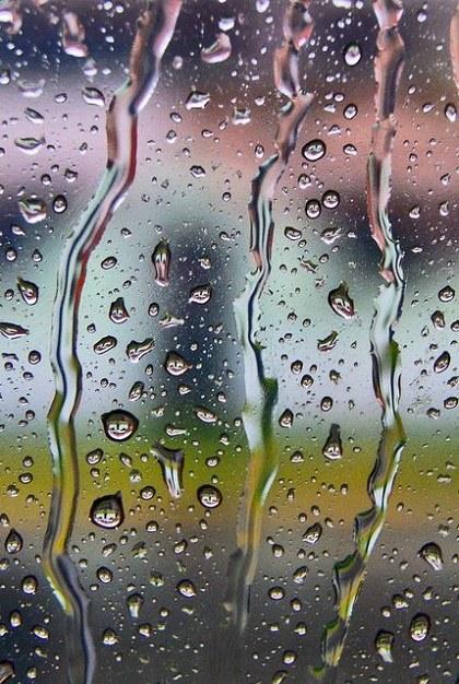 عکس باران روی شیشه برای پروفایل