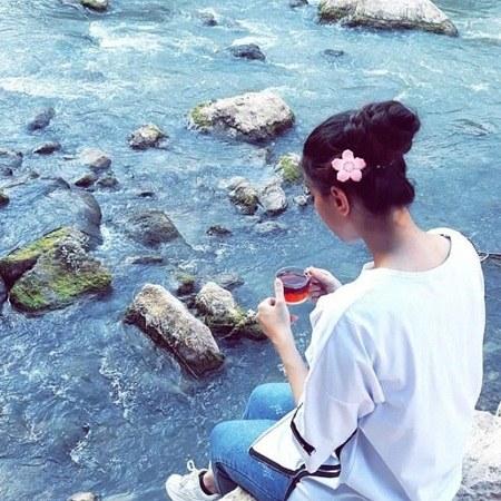 عکس پروفایل دختری که چایی میخوره