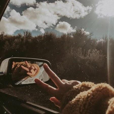 پروفایل دخترانه داخل ماشین