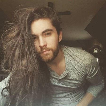 عکس مرد خارجی زیبا برای پروفایل