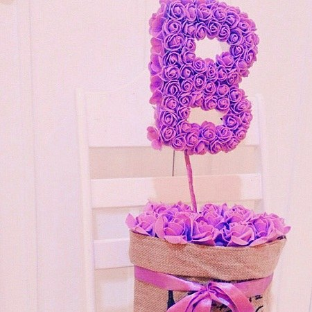 عکس حرف انگلیسی B با گل صورتی
