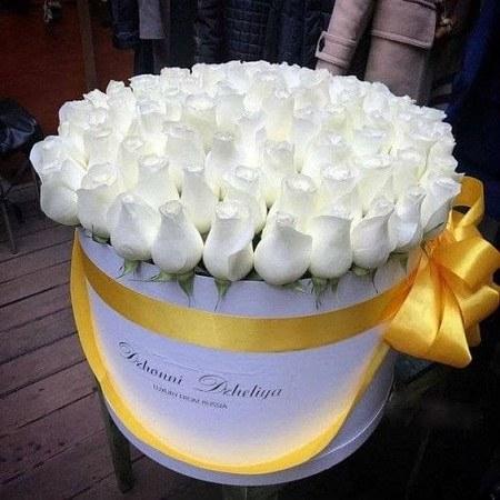 سبد گل سفید برای تولد