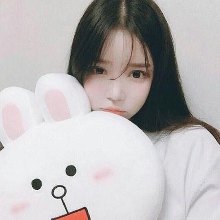 عکس دختر کره ای برای پروفایل واتساپ