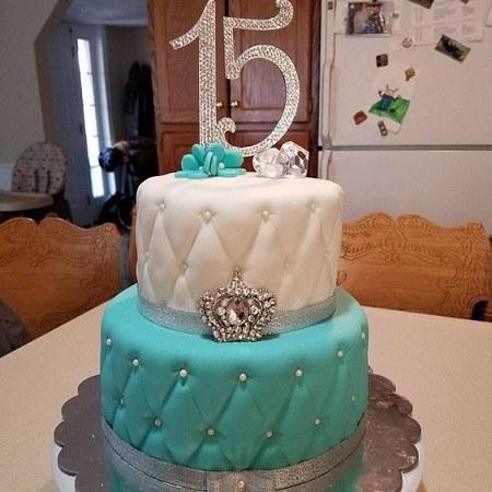عکس کیک تولد 15 سالگی لاکچری