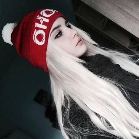 عکس پروفایل دخترونه کلاه دار 2021 جدید